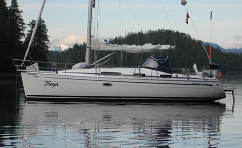 Begin each day in pristine anchorages as you explore the wonders and adventures of BC's coast aboard Freya.