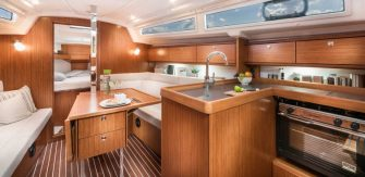 Bavaria 34 interior